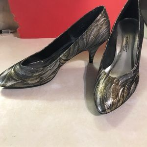 Shoes - Gold & silver dress shoes. Size 11 B